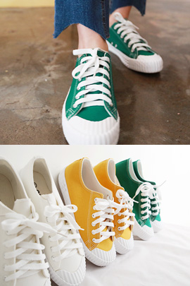 Pregnant - Colored Shoes